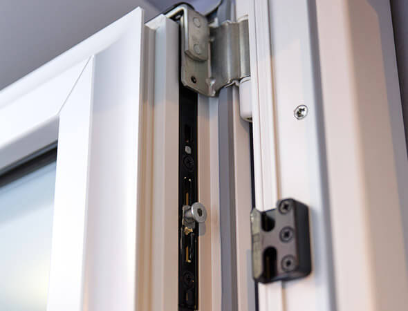 fenster f r neubau und modernisierung gibt 39 s bei b r b deker und richert gbr. Black Bedroom Furniture Sets. Home Design Ideas